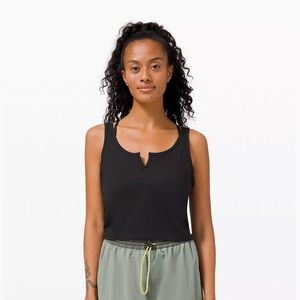 Cropped Henley tank top (like new!)